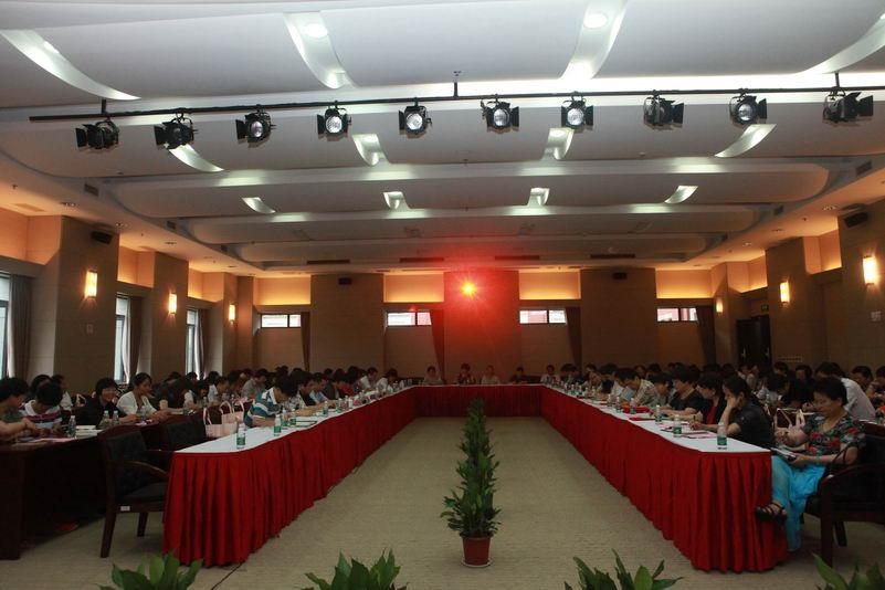 宝山区教育系统开展庆七一主题活动暨创建服务型党组织推进会